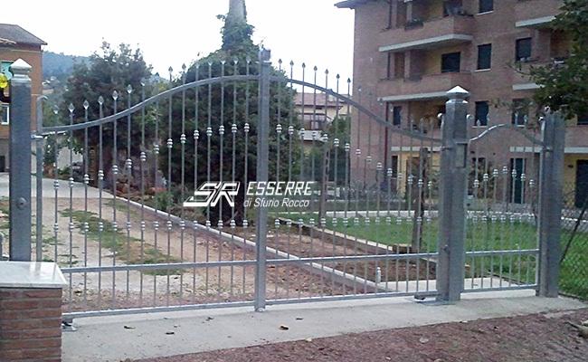 Cancello Ferro Due Ante.Iron Gates Esserre