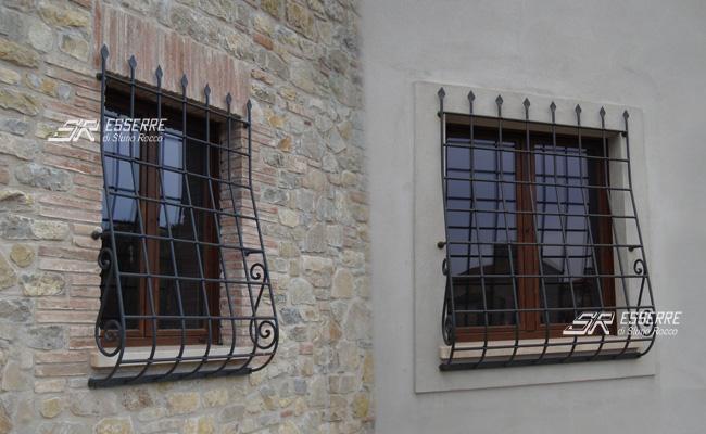 Grate e inferriate sr esserre grate di sicurezza perugia - Grate per finestre ...